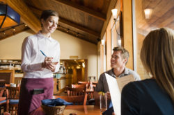 Server – Bồi bàn